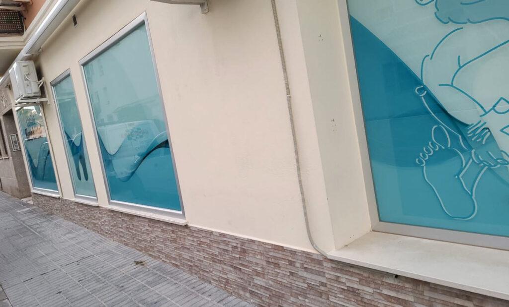 Montaje de escaparate en vidrio de seguridad